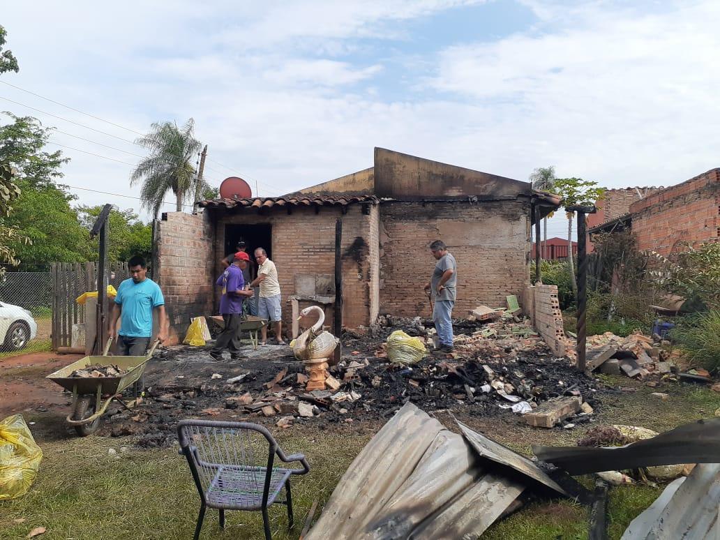 Vivienda fue consumida por el fuego en Calle Hovy