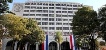Corte excluye a funcionarios públicos del padrón de abogados