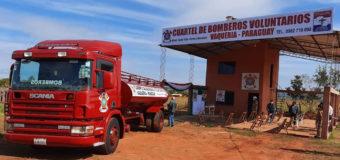 Bomberos del distrito de Vaquería reciben carro hidrante